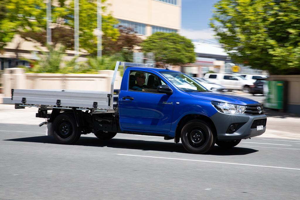 2019 Toyota HiLux Workmate 4x2: Review - www trucksales com au