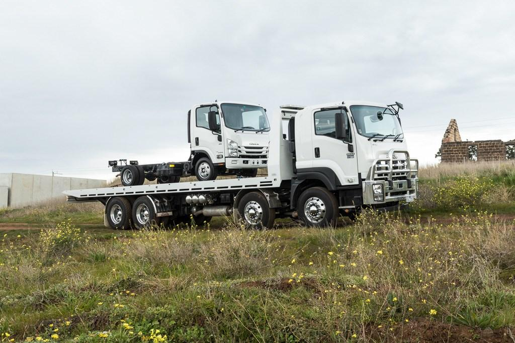 Review: Isuzu FYJ2000 8x4 tilt tray - www trucksales com au
