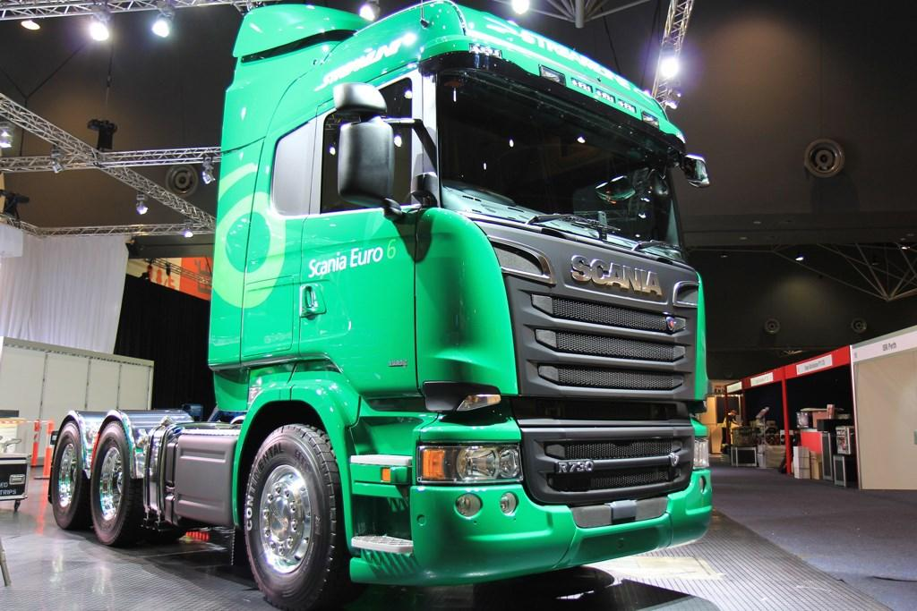 Perth show pulls 39 em in for Pool show 2015 perth