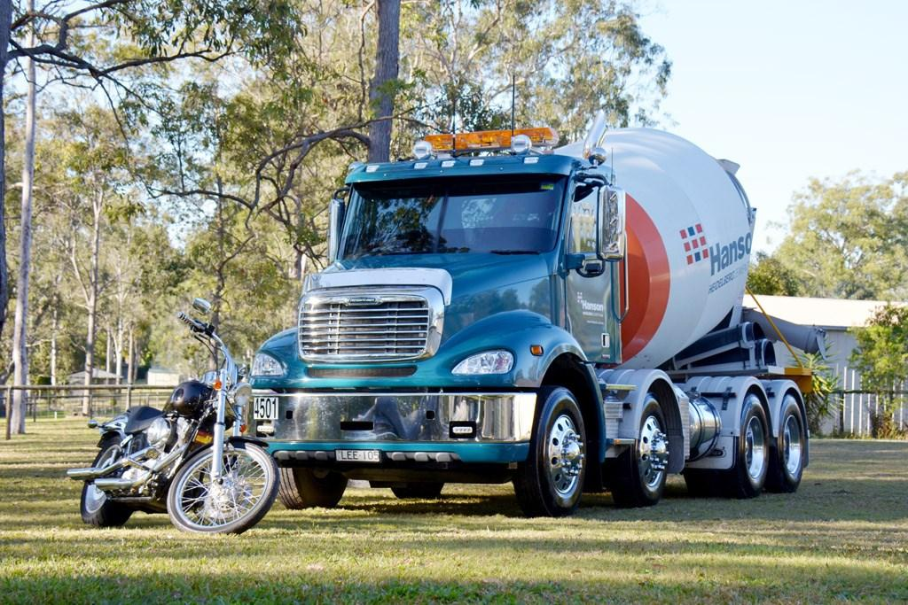 Freightliner Columbia CL112 Review - www trucksales com au
