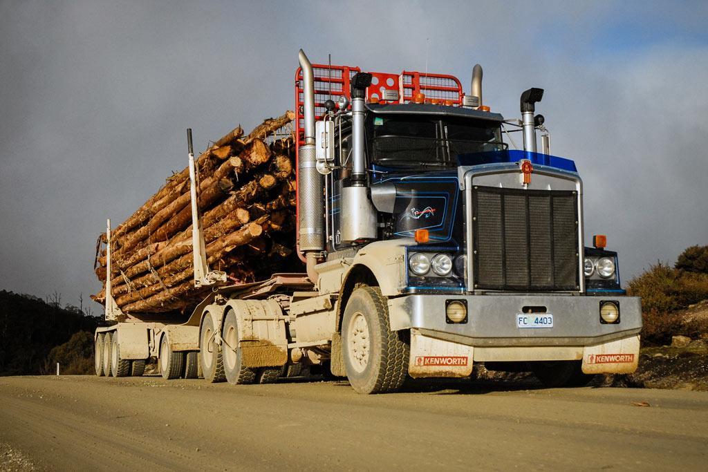 Kenworth T6 Legend Dolly Logger: Review - www trucksales com au