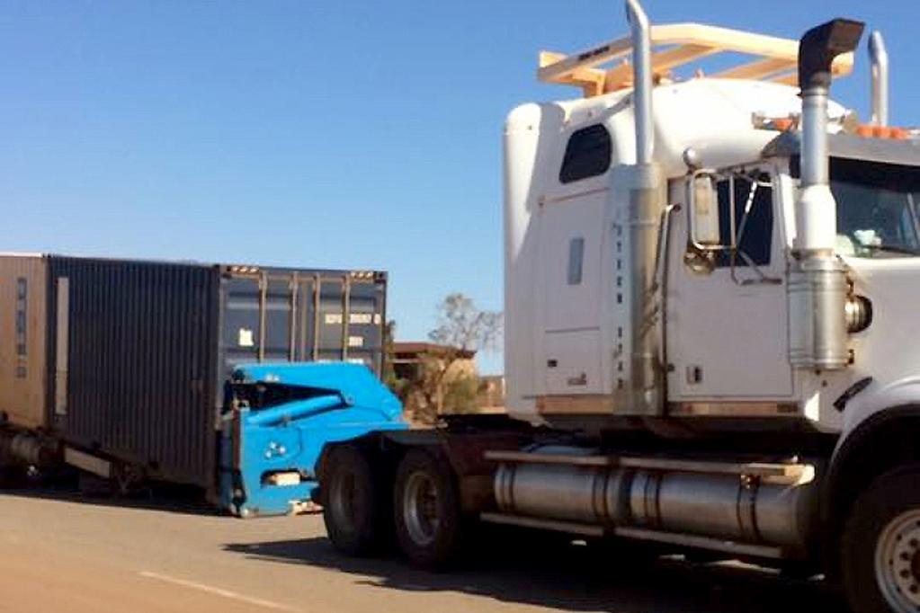 Advice How To Couple And Uncouple A Semi Trailer Www Trucksales Com Au